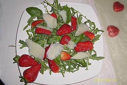 Basilikum-Rucolasalat mit Erdbeeren 17