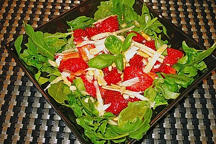 Basilikum-Rucolasalat mit Erdbeeren 47