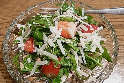Basilikum-Rucolasalat mit Erdbeeren 64