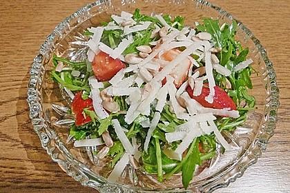 Basilikum-Rucolasalat mit Erdbeeren 71