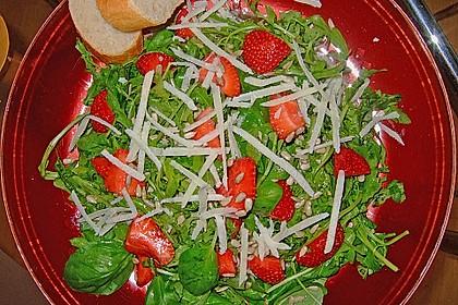 Basilikum-Rucolasalat mit Erdbeeren 72