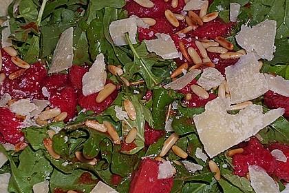 Basilikum-Rucolasalat mit Erdbeeren 60