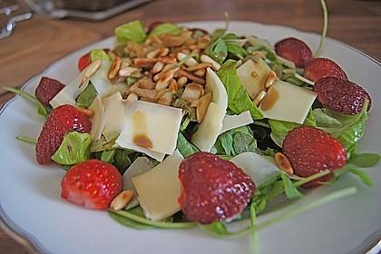 Basilikum-Rucolasalat mit Erdbeeren 41