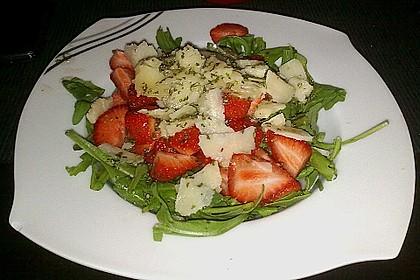 Basilikum-Rucolasalat mit Erdbeeren 61