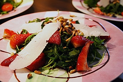 Basilikum-Rucolasalat mit Erdbeeren 36