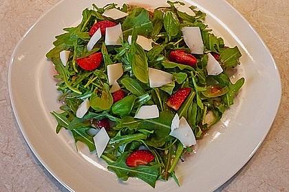 Basilikum-Rucolasalat mit Erdbeeren 37