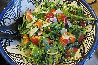Basilikum-Rucolasalat mit Erdbeeren 57