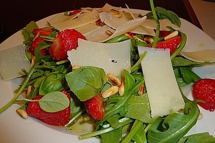 Basilikum-Rucolasalat mit Erdbeeren 56
