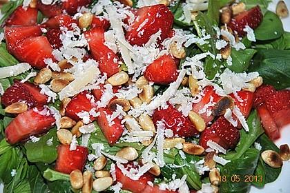 Basilikum-Rucolasalat mit Erdbeeren 43