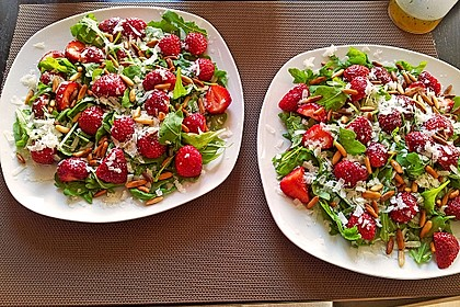 Basilikum-Rucolasalat mit Erdbeeren 15