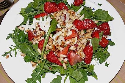 Basilikum-Rucolasalat mit Erdbeeren 22