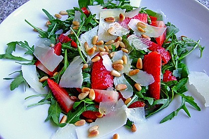 Basilikum-Rucolasalat mit Erdbeeren 9