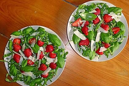 Basilikum-Rucolasalat mit Erdbeeren 52