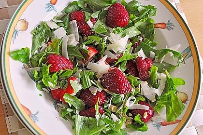 Basilikum-Rucolasalat mit Erdbeeren 11