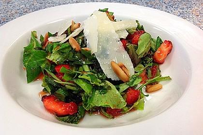 Basilikum-Rucolasalat mit Erdbeeren 28