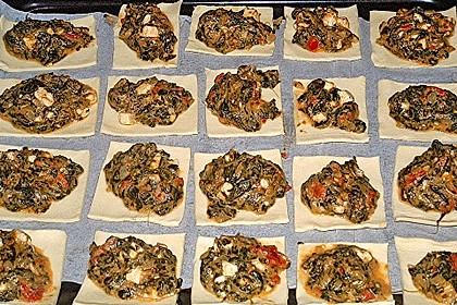 Blätterteigtaschen gefüllt mit Spinat und Feta 3