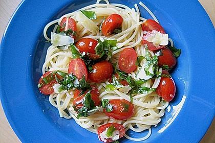 Koelkasts Spaghetti mit kalter Tomatensoße 6