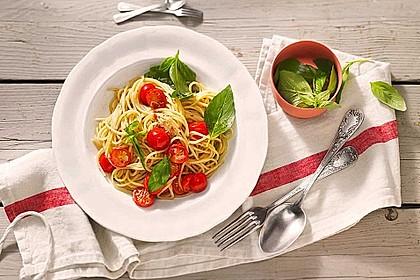 Koelkasts Spaghetti mit kalter Tomatensoße 0