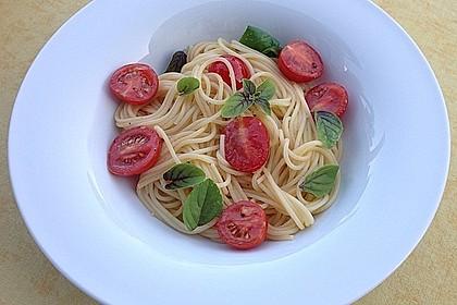 Koelkasts Spaghetti mit kalter Tomatensoße 2