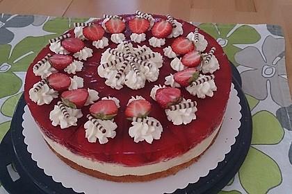 Erdbeer-Kuchen mit Vanillecreme 11