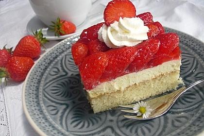 Erdbeer-Kuchen mit Vanillecreme 10