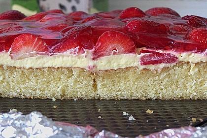 Erdbeer-Kuchen mit Vanillecreme 16
