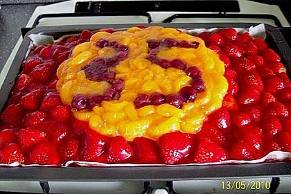 Erdbeer-Kuchen mit Vanillecreme 80