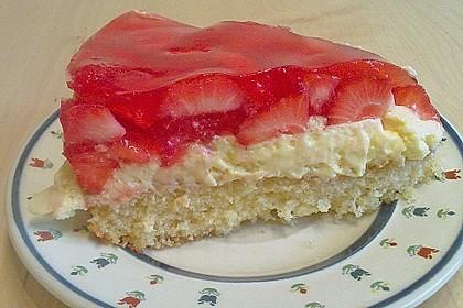 Erdbeer-Kuchen mit Vanillecreme 95