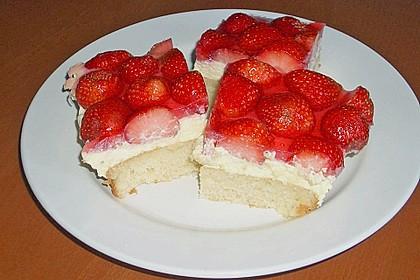 Erdbeer-Kuchen mit Vanillecreme 65