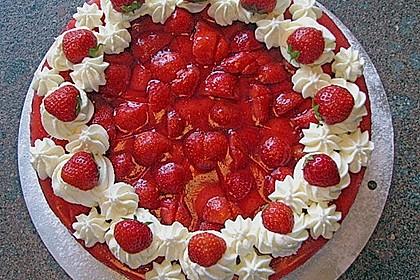 Erdbeer-Kuchen mit Vanillecreme 6
