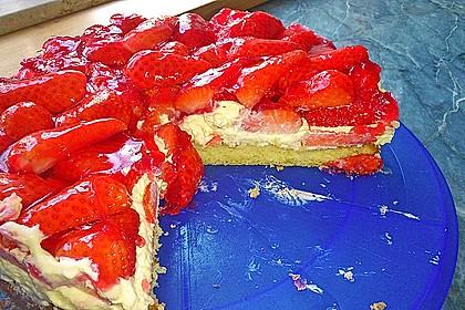 Erdbeer-Kuchen mit Vanillecreme 40