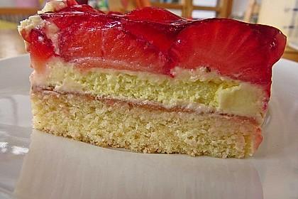 Erdbeer-Kuchen mit Vanillecreme 32