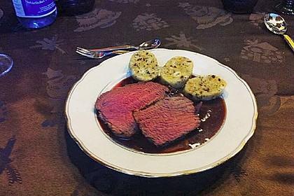 Rinderfilet auf Rotwein - Schalotten - Butter 23