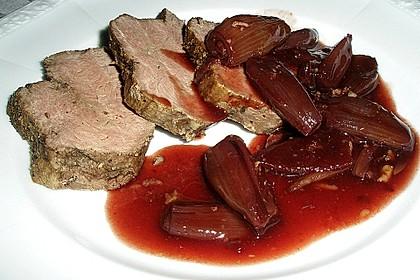 Rinderfilet auf Rotweinschalotten-Butter 17