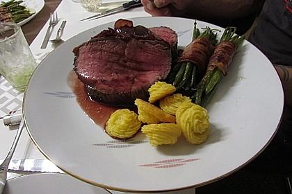 Rinderfilet auf Rotwein - Schalotten - Butter 15