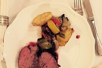 Rinderfilet auf Rotweinschalotten-Butter 30