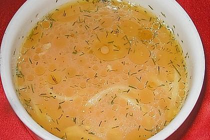 Schnelle Tomatensuppe mit Hühnchen und Nudeln