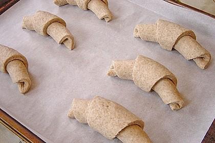 Buttermilchhörnchen oder /-brötchen 7