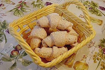 Buttermilchhörnchen oder /-brötchen 3