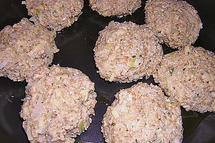 Grünkern - Frikadellen mit Joghurtsauce 20