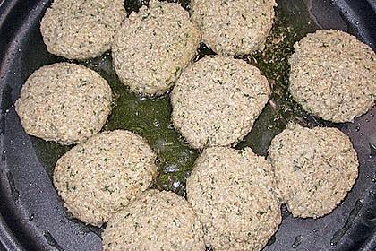 Grünkern - Frikadellen mit Joghurtsauce 30