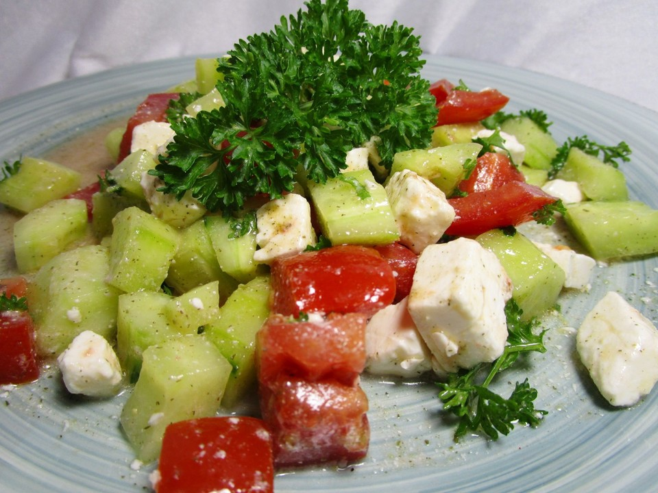 tomaten gurken salat mit feta von liesbeth. Black Bedroom Furniture Sets. Home Design Ideas