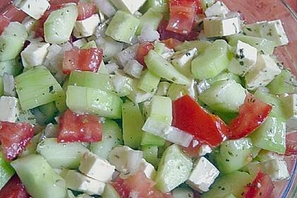Tomaten - Gurken - Salat mit Feta 6