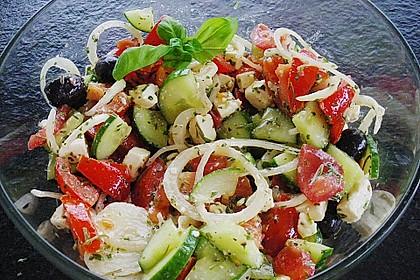 Tomaten - Gurken - Salat mit Feta 2