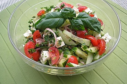 Tomaten - Gurken - Salat mit Feta 0