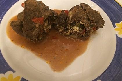 Rouladen mit Frühlingszwiebeln und Schafskäse 18