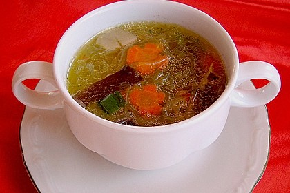 Asia - Suppe mit Glasnudeln