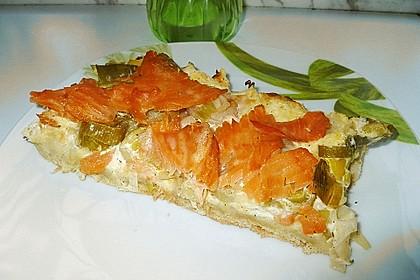 Flammkuchen mit Lauch und Lachs 15