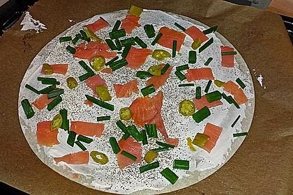 Flammkuchen mit Lauch und Lachs 49