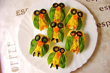 Gefüllte Eier mit Gurke
